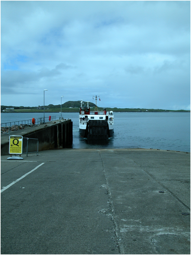 Waiting for the ferry to Iona to dock..png
